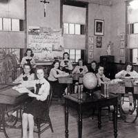 1943Students7thAnd8thGrade.jpg