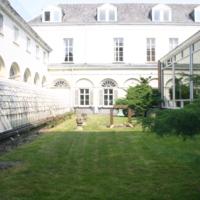 Nouveau-Bois back exterior