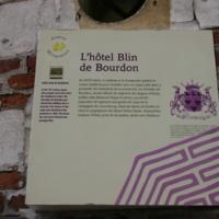 Plaque sur le mur de l'hôtel Blin de Bourdon